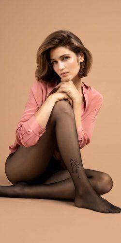 Collant velatissimo fantasia effetto tatuaggio 10 den Demoiselle